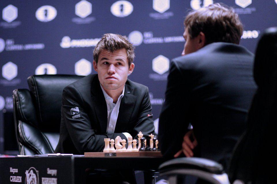 Карлсен сравнял счет в матче с Карякиным / fide.com