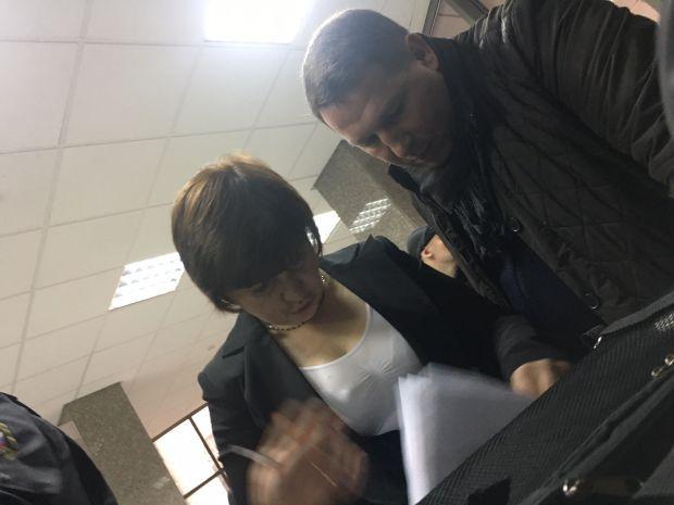 Цей співробітник поміняв списки журналістів в ростовському обласному суді / фото Роман Цимбалюк, УНИАН