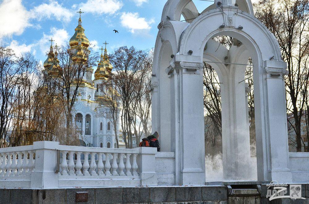 У центрі Харкова комунальники прибирають сніг / dozor.kharkov.ua