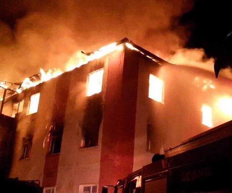 Пожежа сталася у господарському приміщенні / cnnturk.com