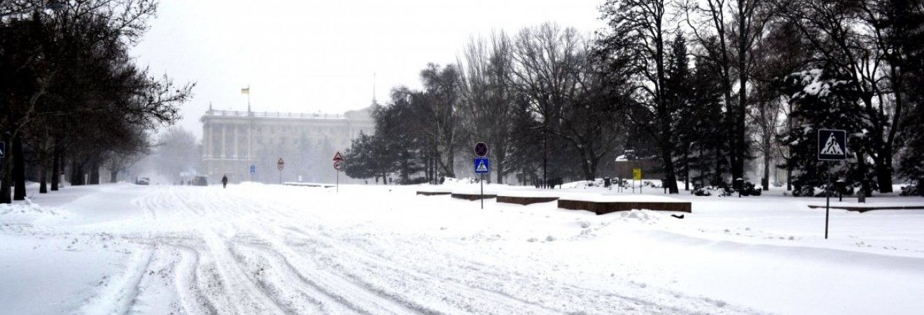 Сьогодні в багатьох областях України пройде сніг, найтепліше на півдні - до +2° (карта)