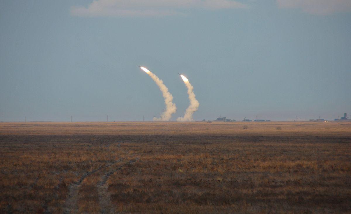 Учения Украины близ Крыма / REUTERS
