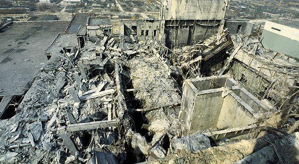 Разрушенный 4-ый блок ЧАЭС после аварии 1986 года / pripyt-chaes.ucoz.ru