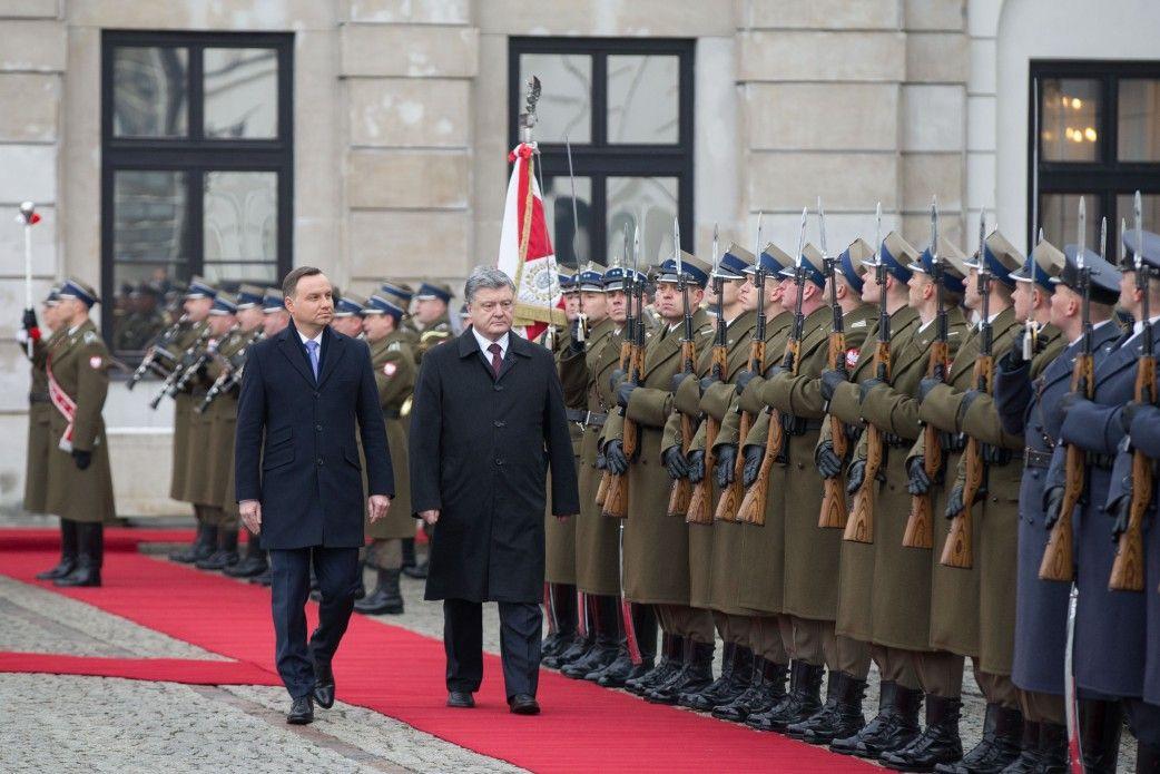 Порошенко заявил, что Украина сегодня воюет, чтобы похоронить идею Советского союза / Фото president.gov.ua