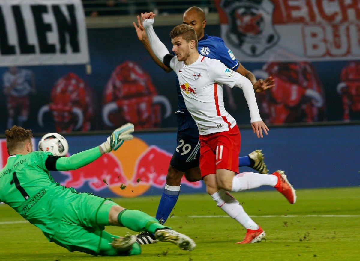Лейпциг продолжает лидировать в чемпионате Германии / Reuters