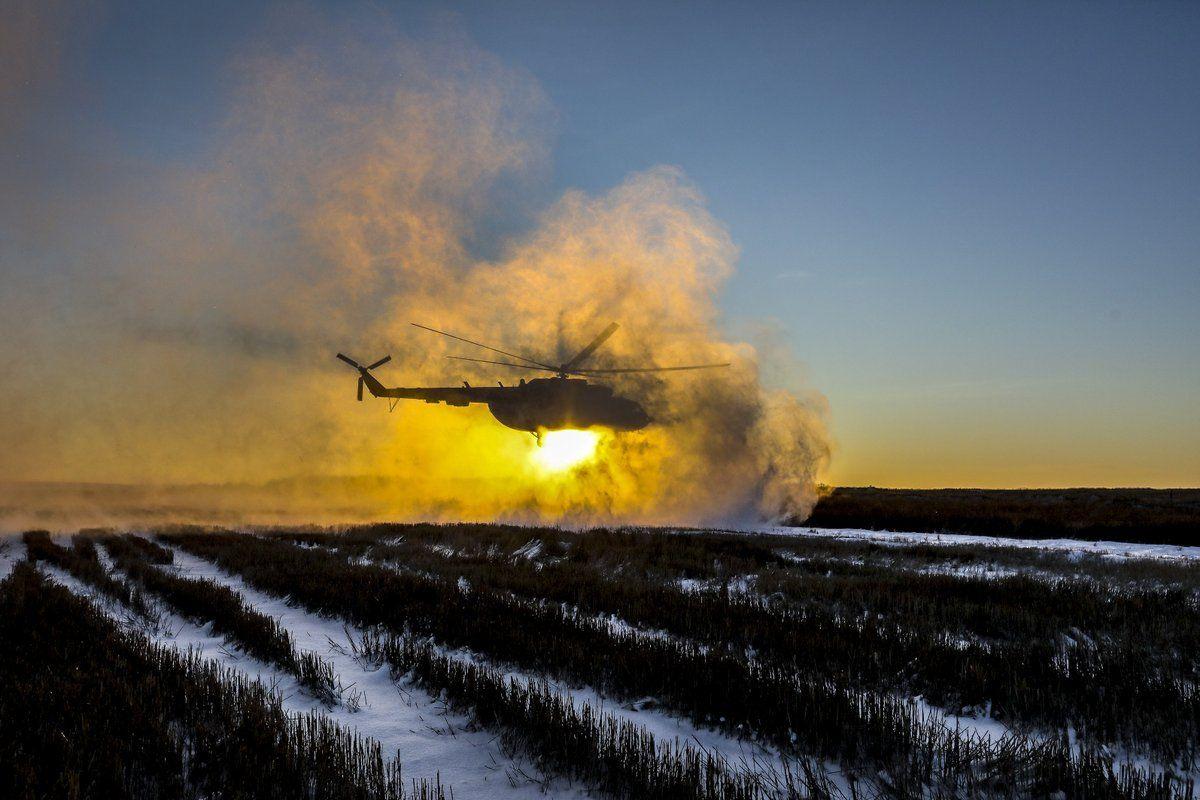 По данным прокуратуры, МОУ купило на 13 мільнів своего лома. Фотоиллюстрация / twitter.com/poroshenko