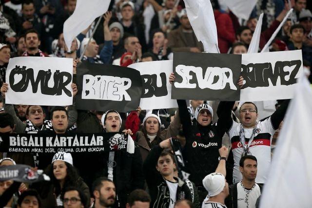 Фани турецької команди зухвало поводяться в Києві / haberler.com