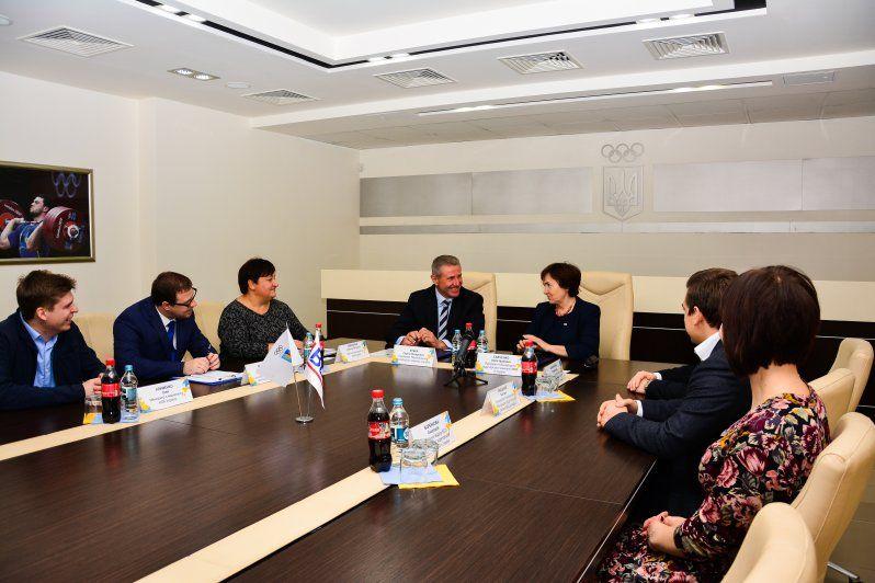 Підписантами договору виступили президент НОК Сергій Бубка та президент BDO в Україні Алла Савченко