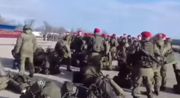 Чеченские контрактники отправляются в Сирию / Скриншот видео
