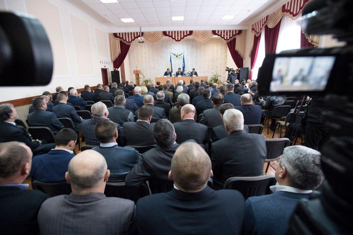 Володимир Гройсман під час зустрічі з головами об`єднаних територіальних громад області / facebook.com/volodymyrgroysman