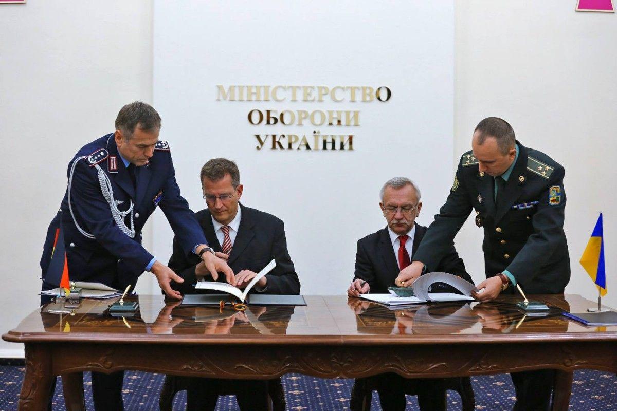 facebook.com/Степан-Полторак