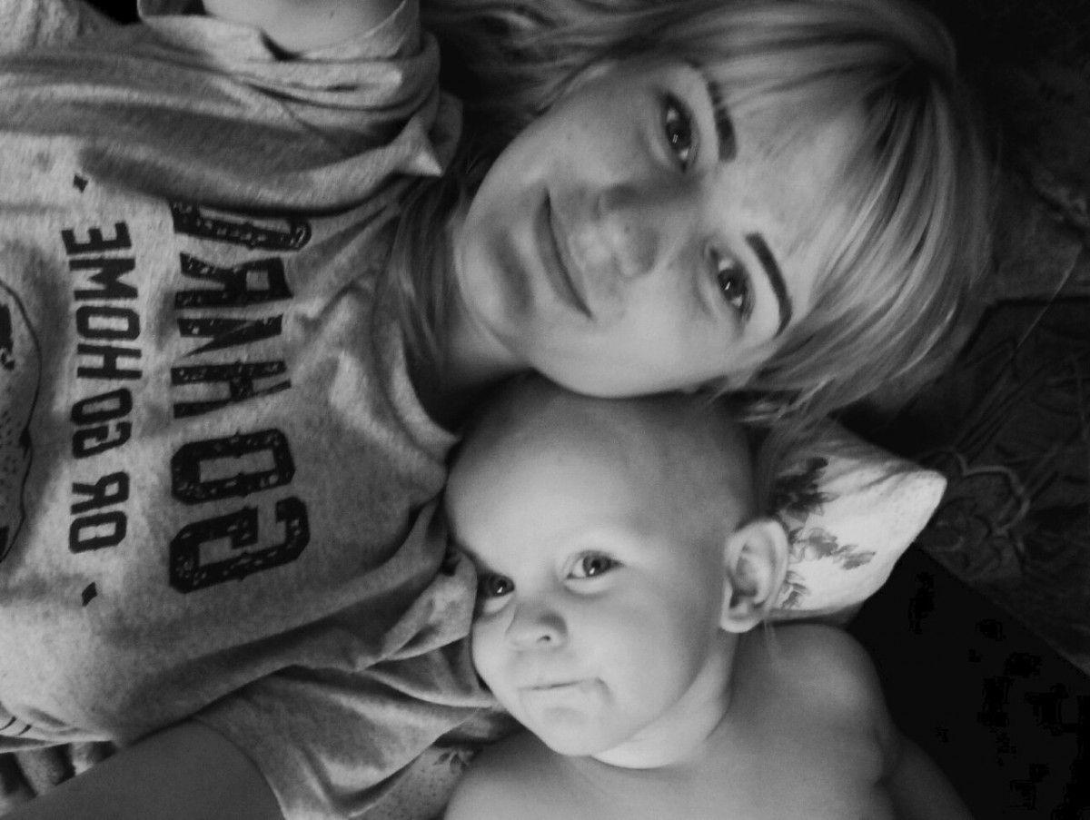 Горе-мати залишила дітей на 9 днів у квартирі / vk.com/id142135093