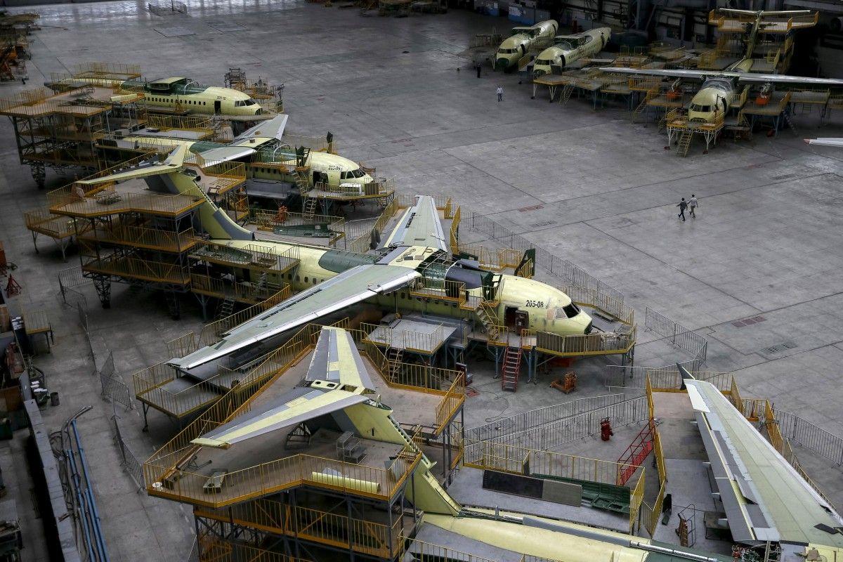 Кабмін звільнив літакобудування від сплати ввізного мита і ПДВ / REUTERS