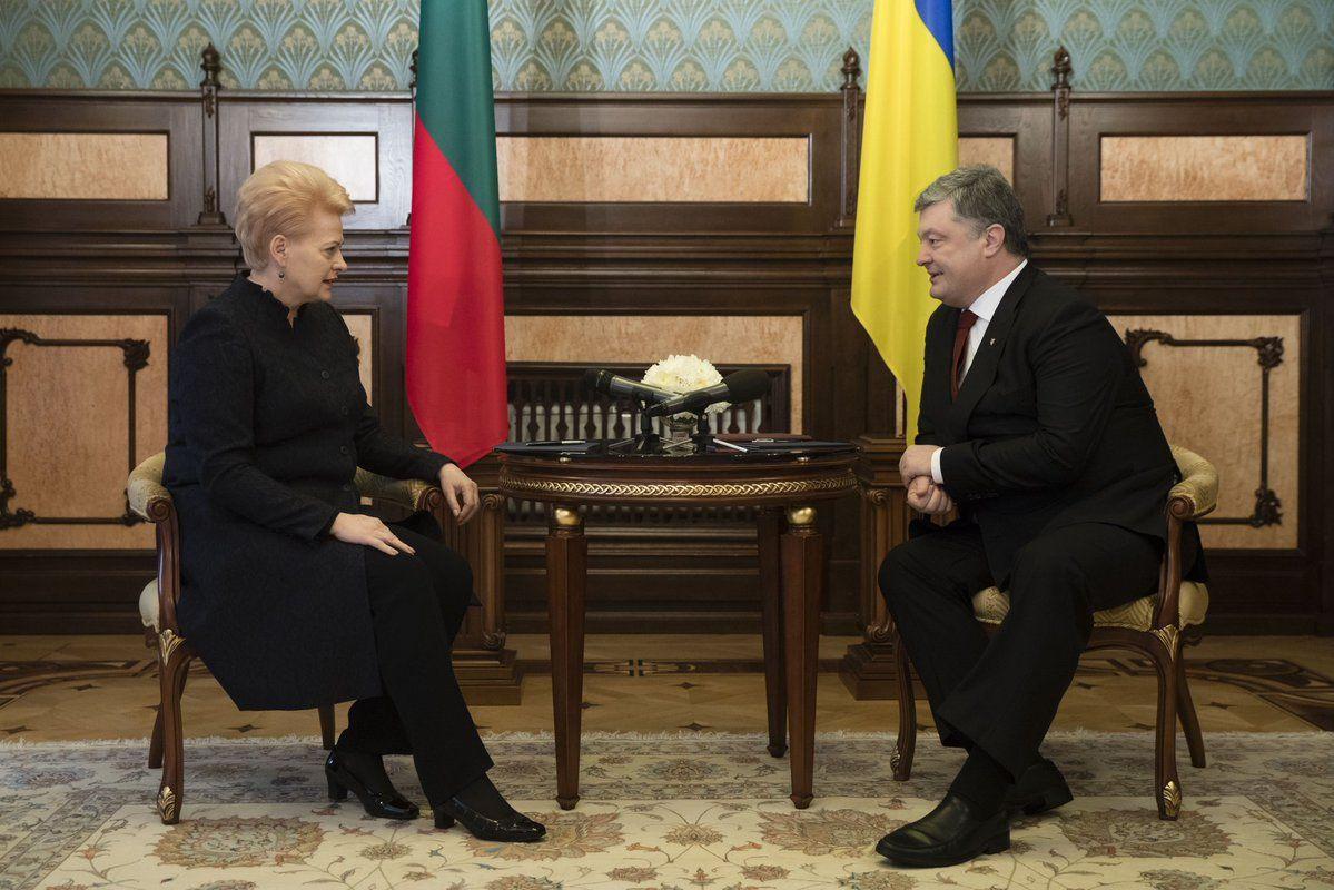 Порошенко и Грибаускайте проводят переговоры тет-а-тет / twitter.com/STsegolko