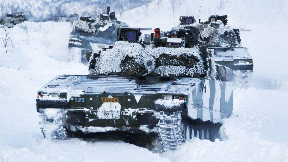 К учениям привлекут до 10 тыс. военных / nrk.no