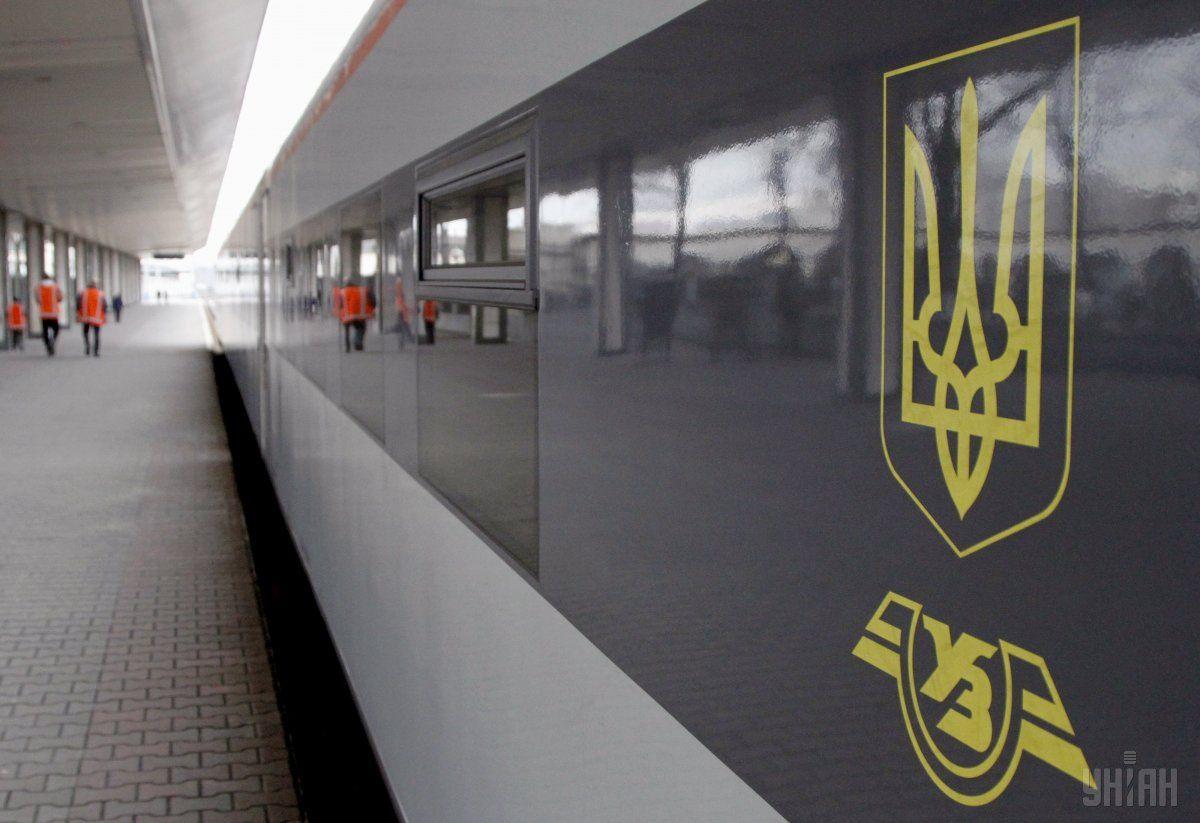 """На киевском вокзале """"заминировали"""" поезд / фото УНИАН"""