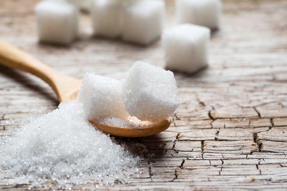 Стоимость сахара на Лондонской бирже упала до 432 долларов за тонну / Иллюстрация REUTERS