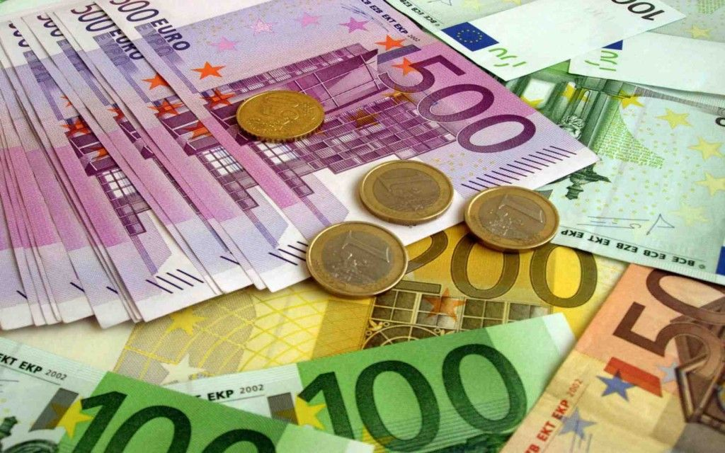 В Європі припиняють випуск банкнот номіналом 500 євро / фото moldovanews.md