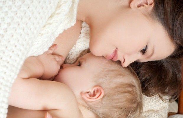Грудне вигодовування безпечно і з коронавірусом / фото breast-feeding.ru