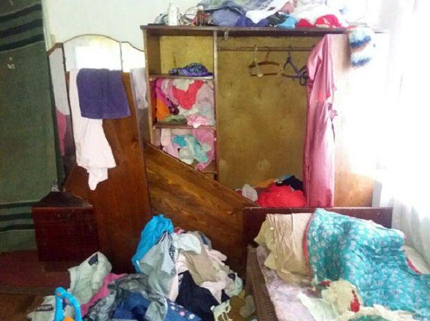 Дітей у холодному будинку знайшла сусідка / dn.npu.gov.ua