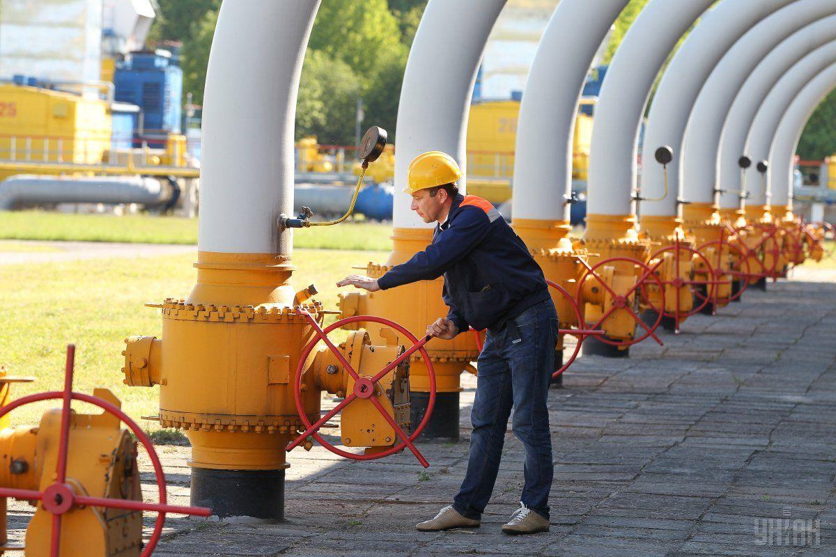 Газовые хранилища Украины заполнены на 49,9% / фото УНИАН