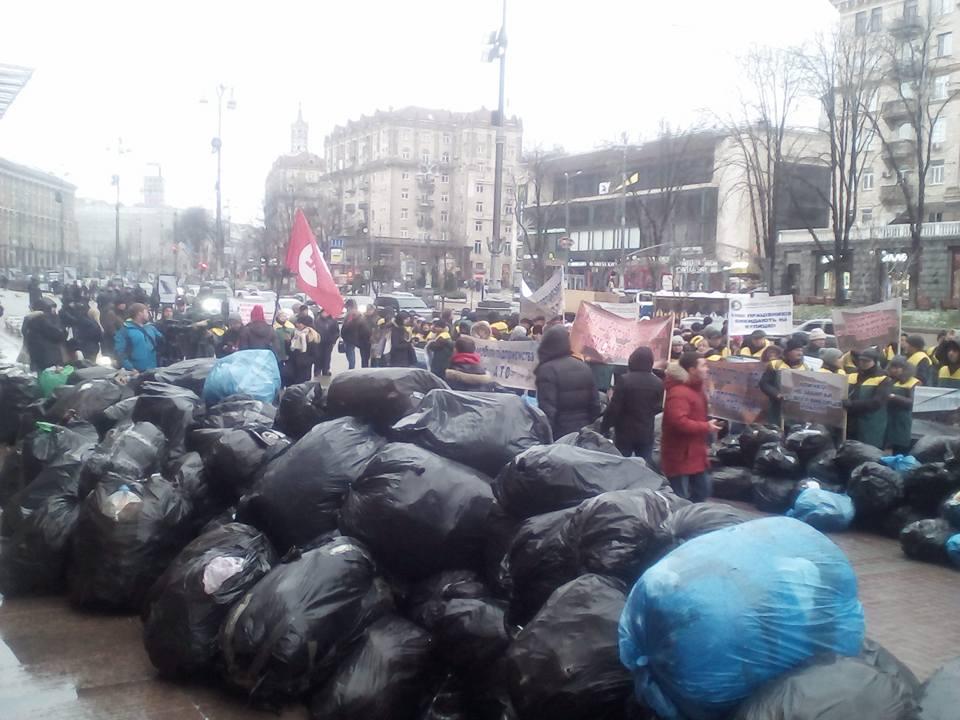 Люди протестуют против сноса МАФов / facebook.com/vladislav.krasinskiy