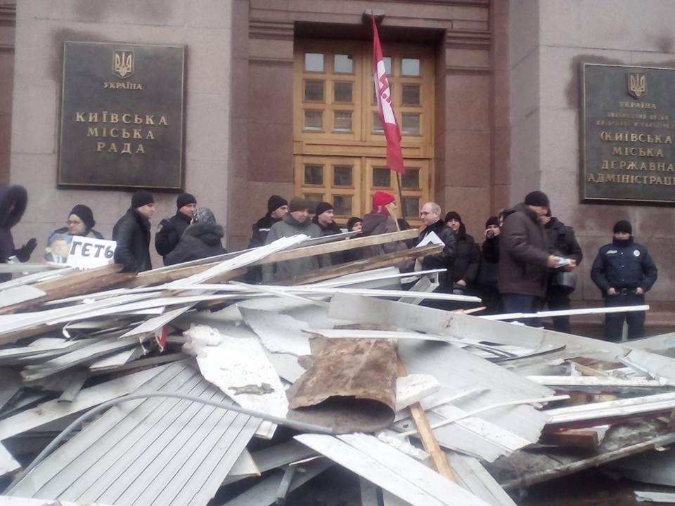 По мнению протестующих на территории бывших торговых точек собираются построить жилые комплексы / facebook.com/vladislav.krasinskiy