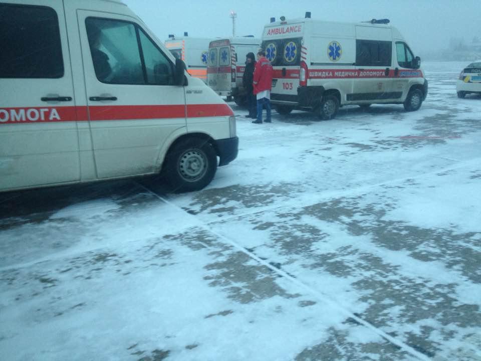 Борт із пораненими сів у Вінниці / facebook.com/tpguba