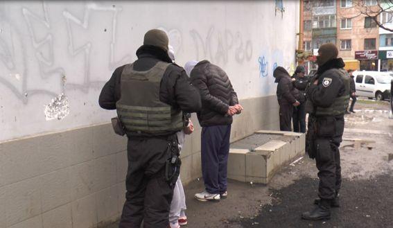 Задержание квартирных воров в Херсоне / Фото hr.npu.gov.ua
