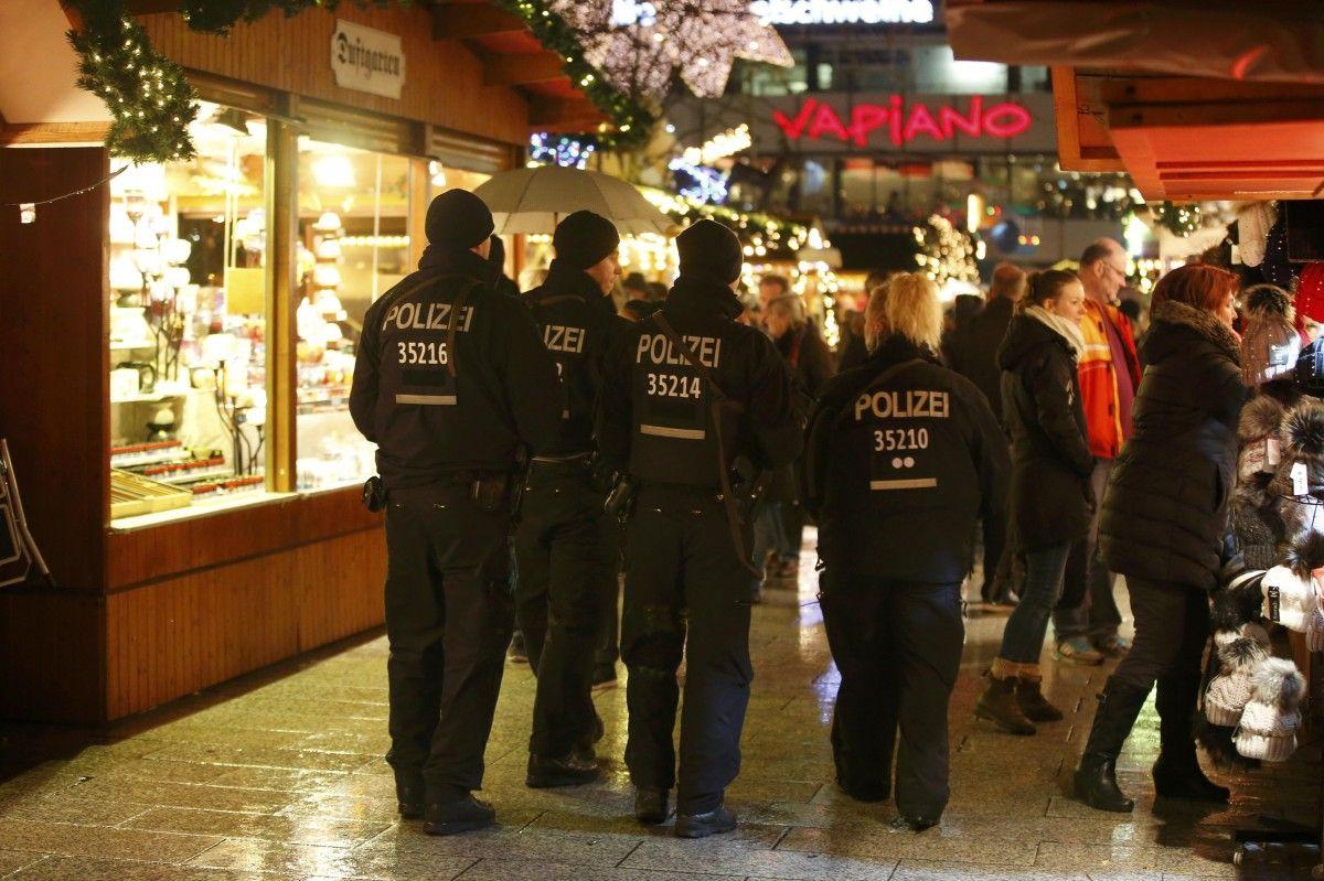 Полиция в Берлине / REUTERS