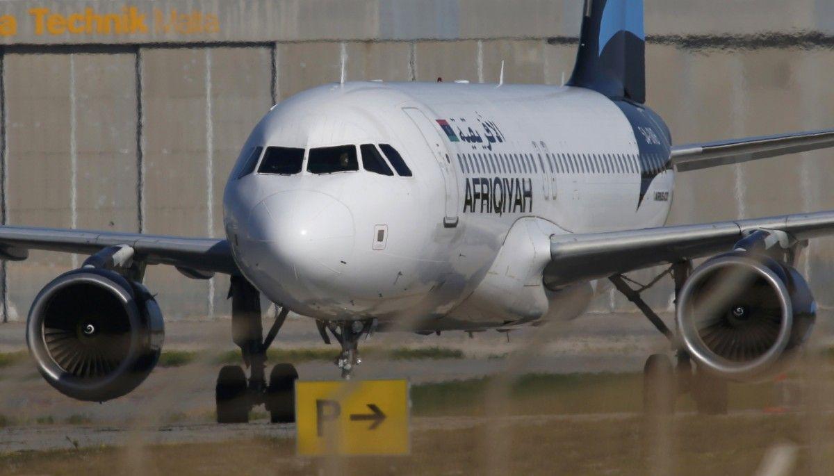 Похищенный ливийский лайнер приземлился на Мальте / REUTERS