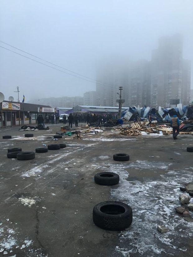 Конфлікт виник між представниками ринку та суспільства, яке орендує землю / facebook.com/sergey.yeremenok