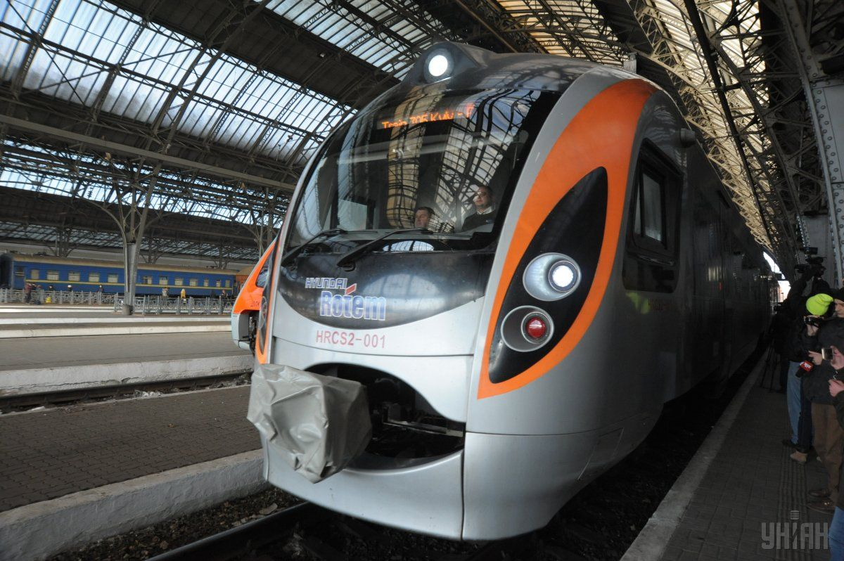 «Укрзализныця» назначила ко Дню Независимости 5 дополнительных поездов / УНИАН