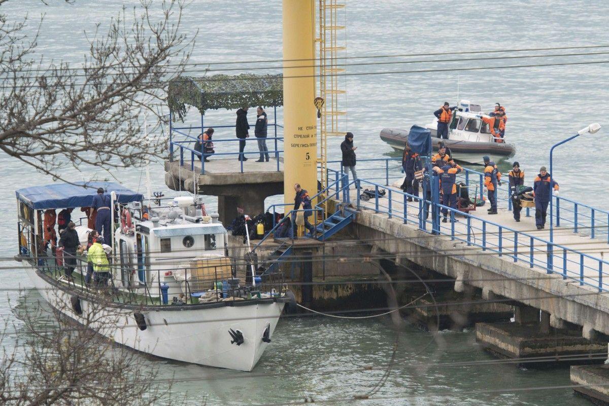 Операция на месте падения самолета Ту-154 / REUTERS