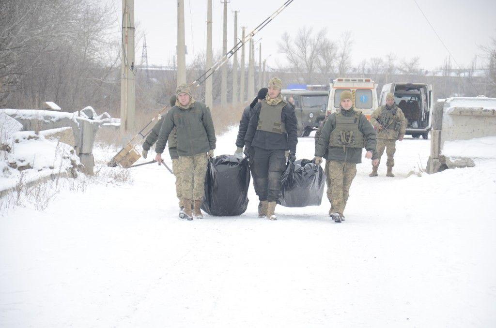 Україні передали тіла загиблих військових / cimic.com.ua