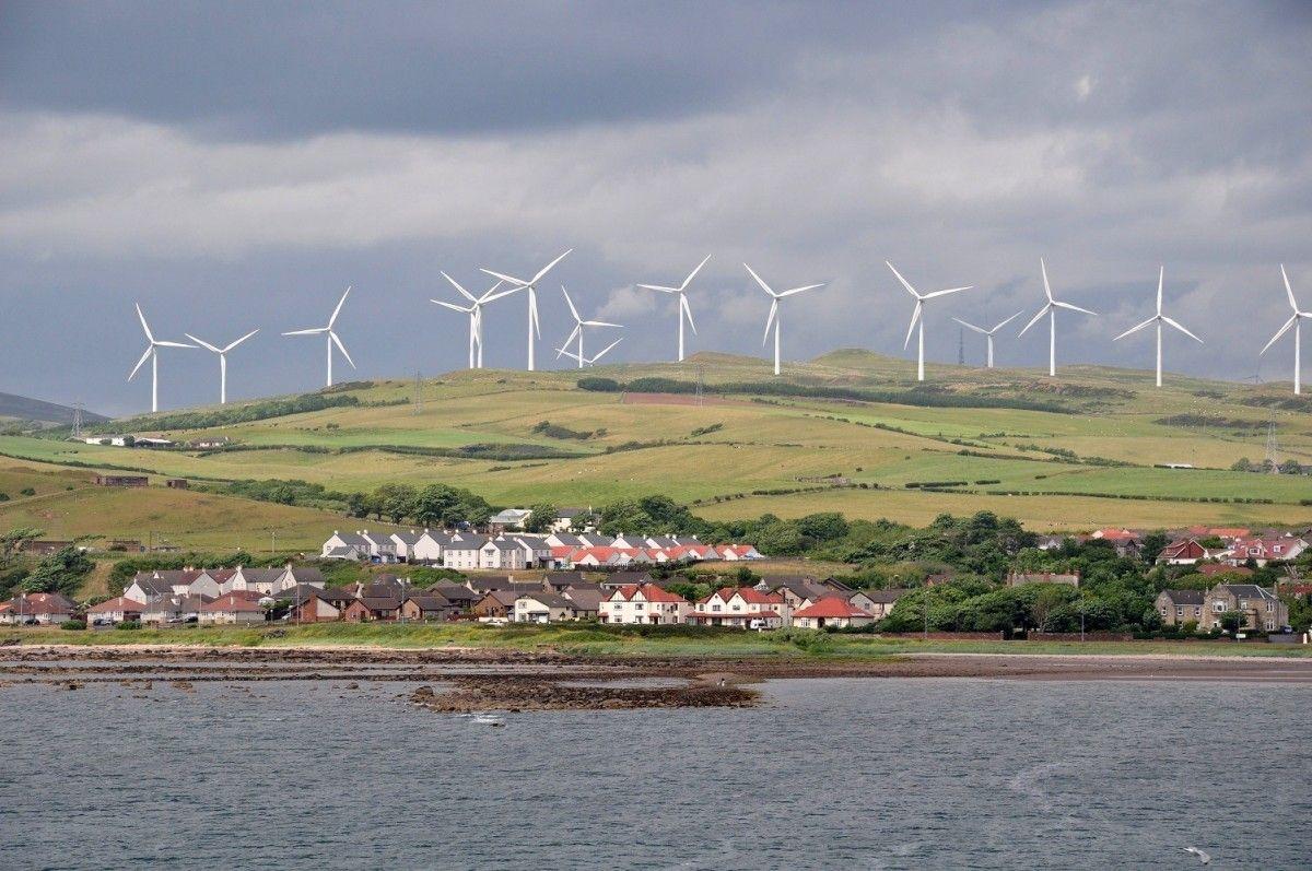 Ветряной парк Ardrossan в шотландском Норт-Эршире / hsto.org