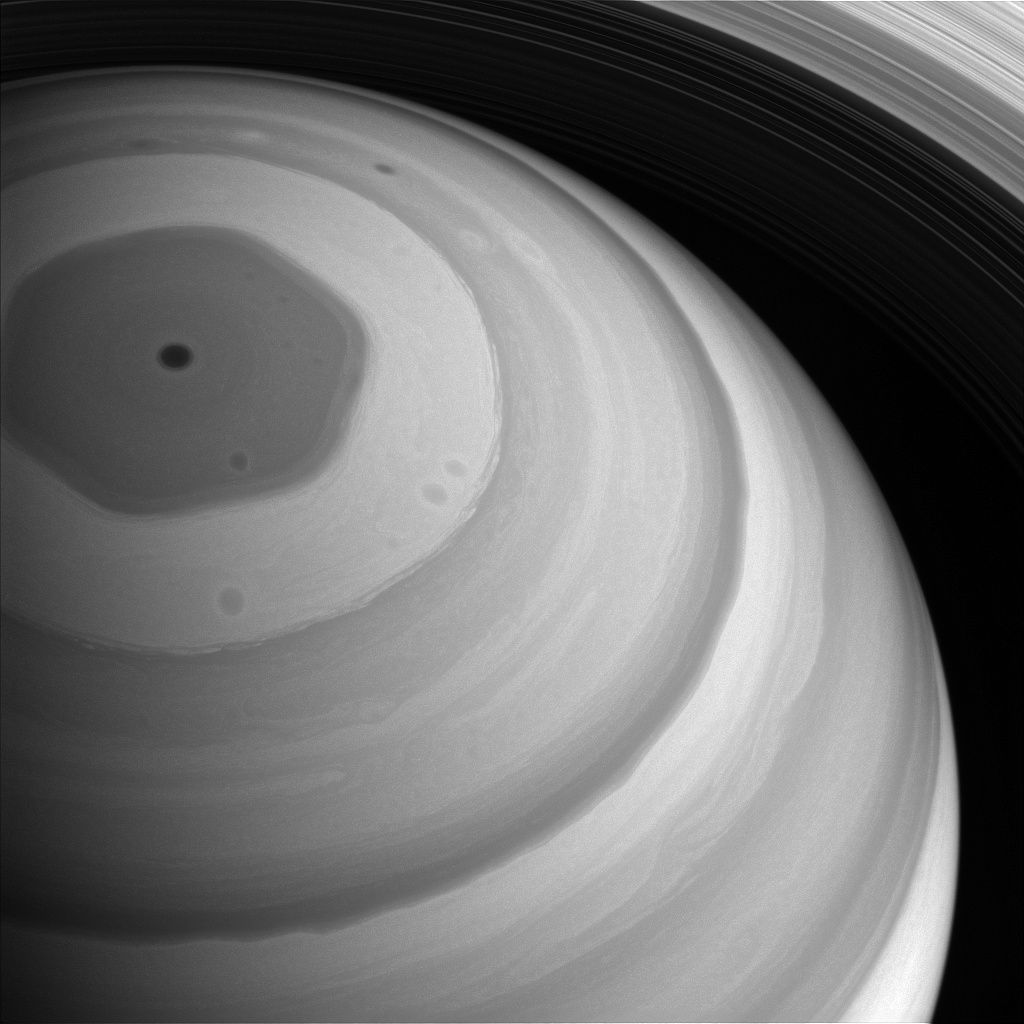 На орбите Сатурна нашли 20 неизвестных доселе спутника / NASA/JPL-Caltech/Space Science Institute