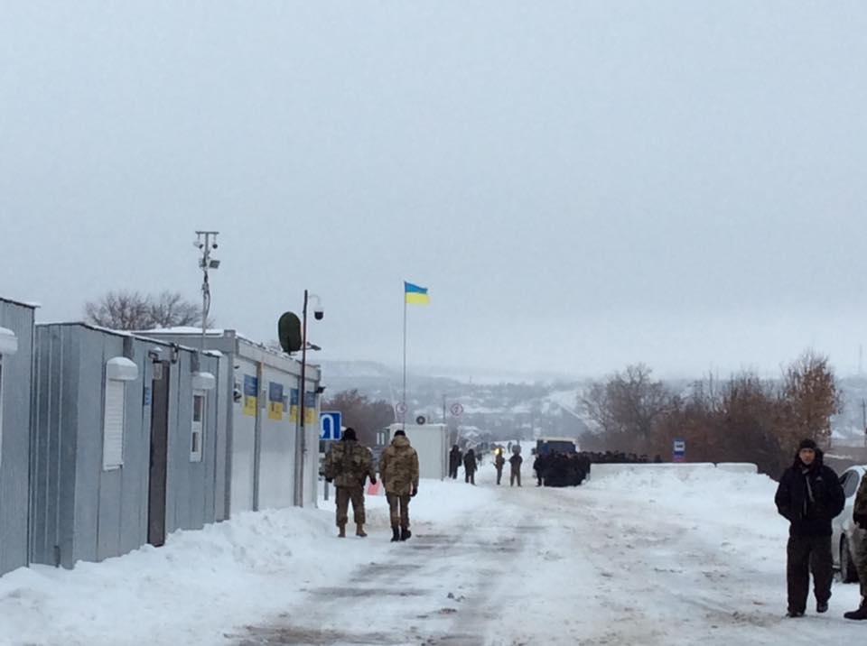 Вдалося знайти компроміс і збільшити дозвіл на перевезення через КПВВ на Донбасі особистого багажу фізичними особами до 75 кг / facebook.com/iryna.gerashchenko