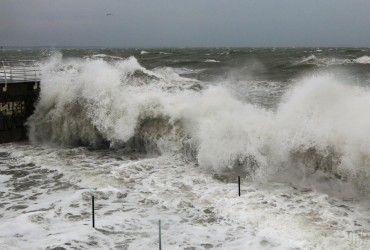 На півдні та сході України оголосили штормове попередження