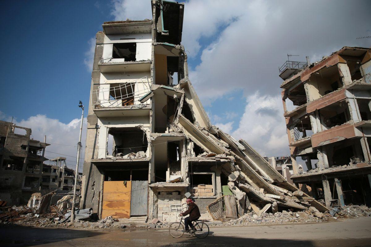 Щонайменше 35 цивільних загинули внаслідок авіаудару в Сирії