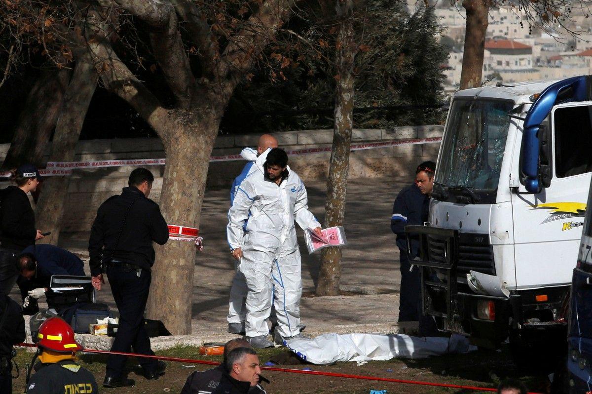 Ізраїльські правоохоронці на місці теракту / REUTERS