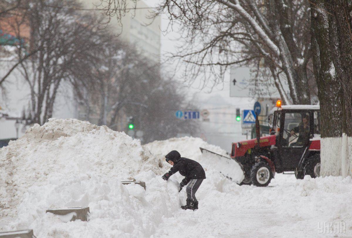 У Києві сильний снігопад паралізував рух / УНІАН