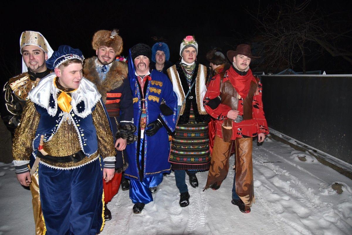Раніше маланкарі в Горошовій  одягалися в козаків / УНІАН