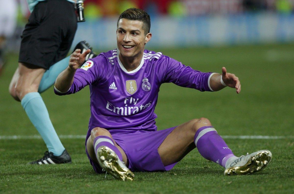 Роналду спровоцировали на грубую игру / Reuters