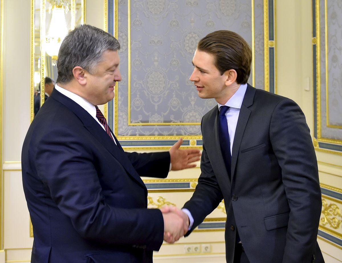 Порошенко поздравил Курца спобедой навыборах