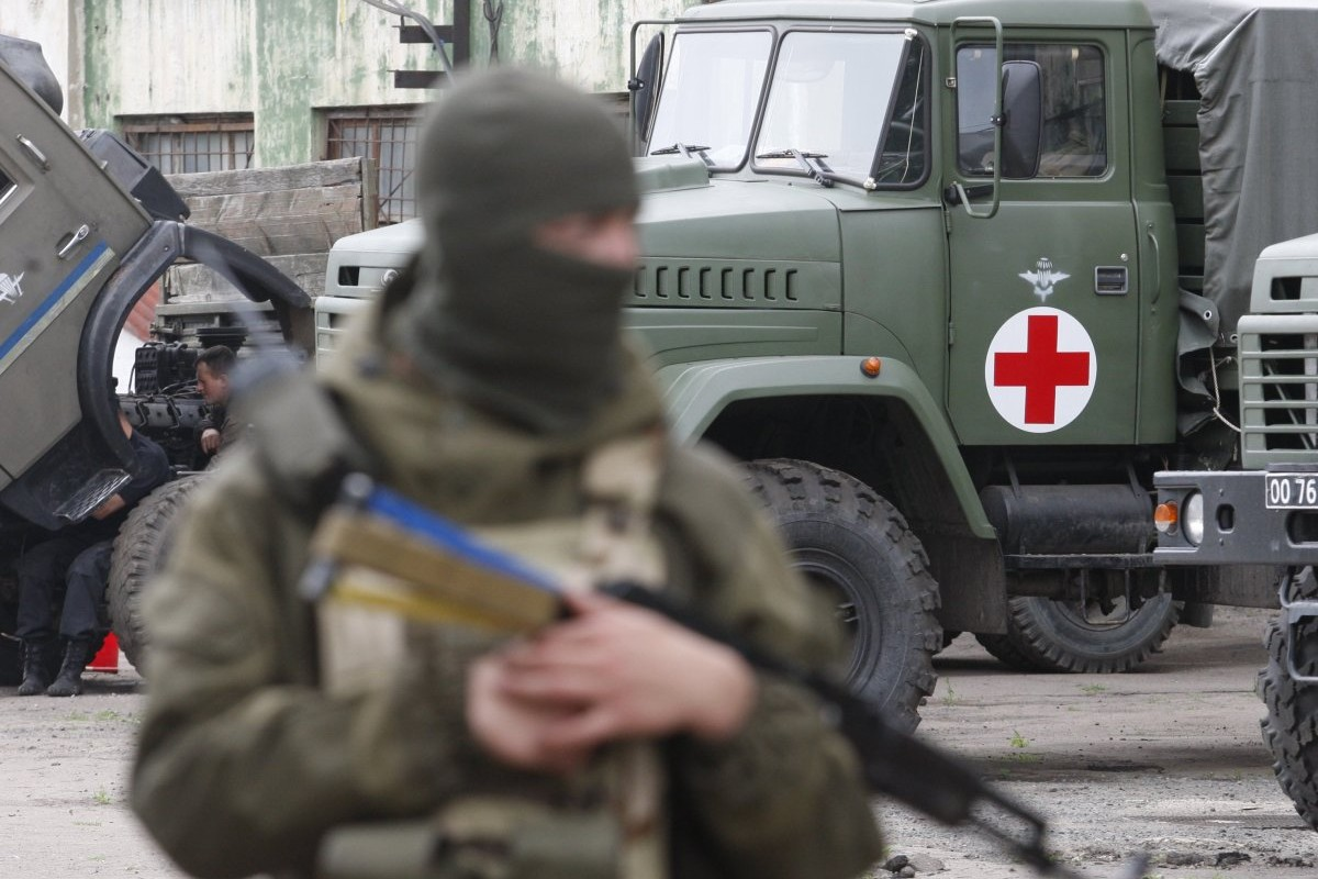 Красный Крест отправил на Донбасс гуманитарные грузовики / фото УНИАН