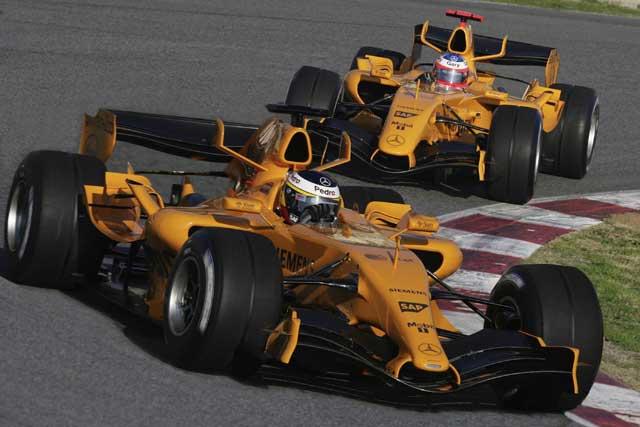 McLaren может вернуться к историческим цветам / Reddit