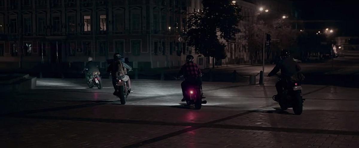 Фільм розповідає історію друзів, які вирішили відправитися в подорож по Західній Україні на своїх байках