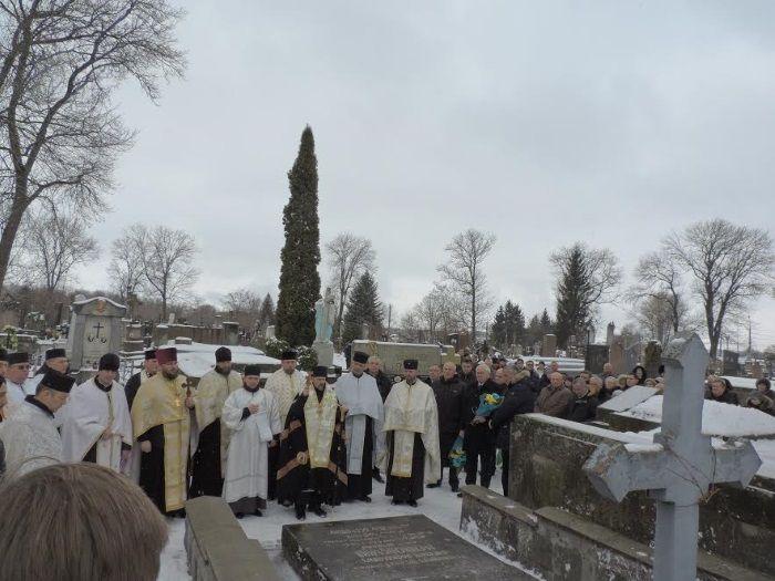 На завершення присутні вшанували пам'ять всіх українських героїв спільною молитвою / Фото прес-служба ТОДА