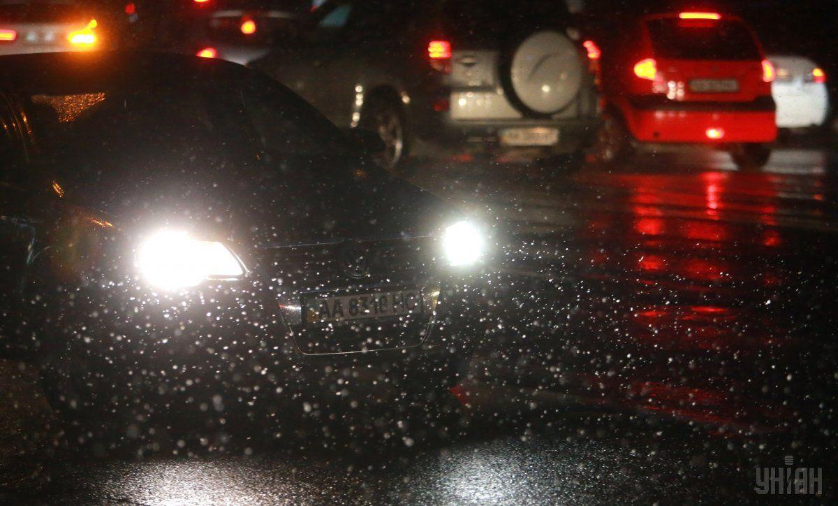 Владелец автомобиля угрожал правоохранителям / Фото УНИАН